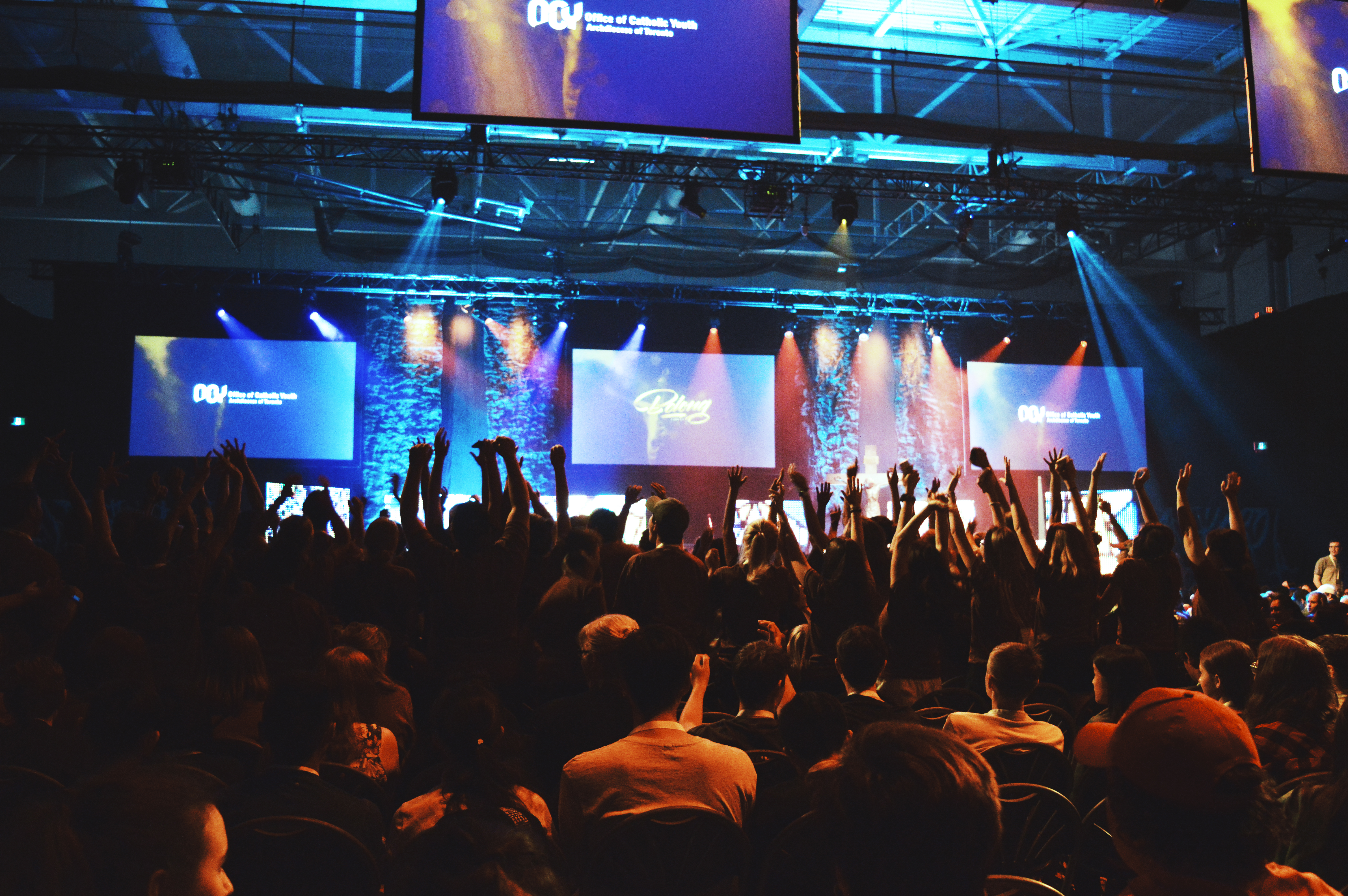 Crowd of young people in the 2019 Steubenville Toronto conference